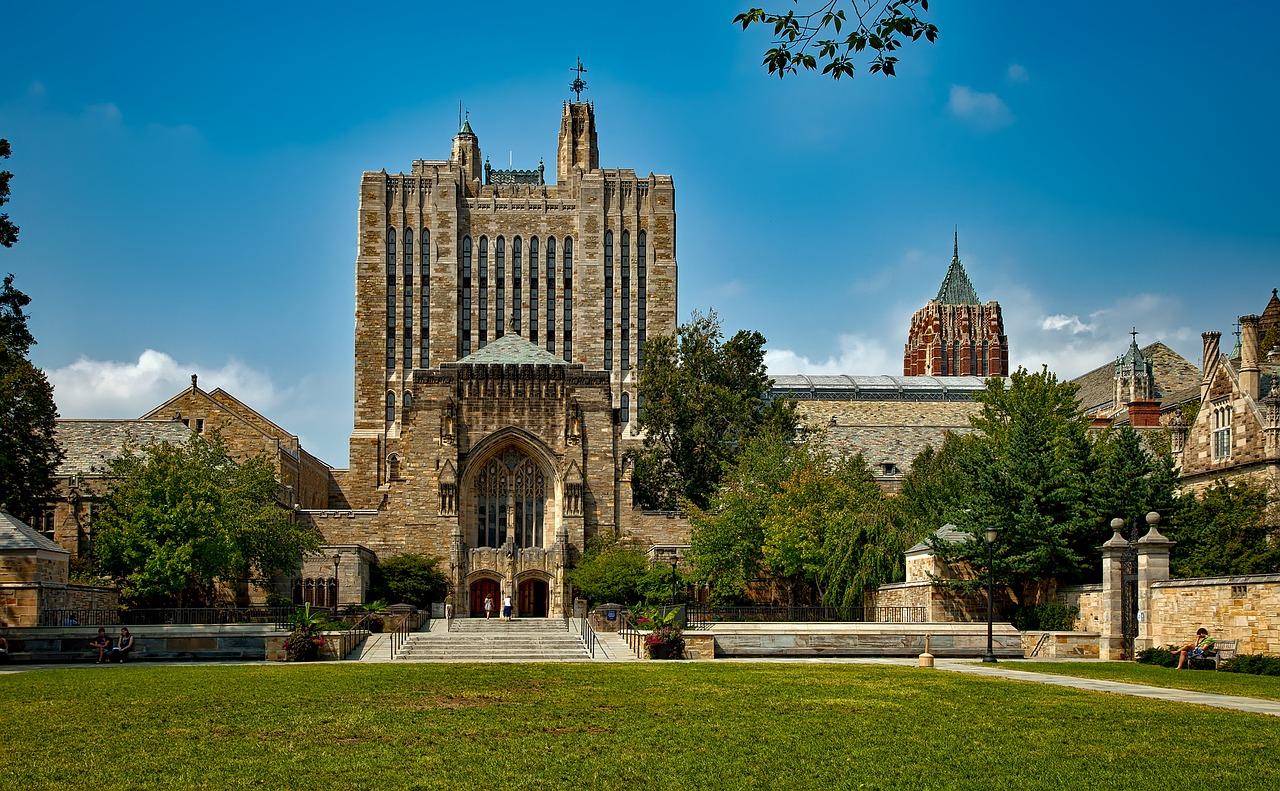 Summer Workshop y Summer Experience Program – Georgetown y Yale